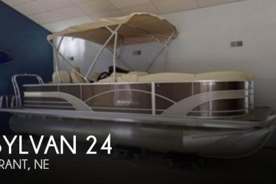 2017 Sylvan Mirage 8522 Cruise and Fish LE