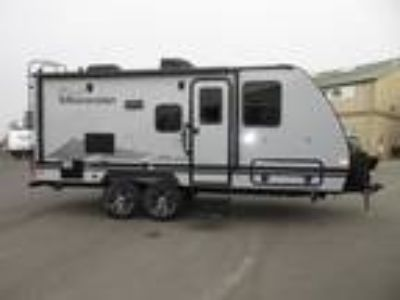 2019 Winnebago Micro Minnie 2106DS CALL FOR THE LOWEST PRICE! OFF ROAD TIRES/S