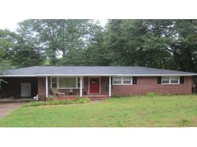 3 Bed 1.5 Bath Foreclosure Property in Spartanburg, SC 29307 - Merle Dr