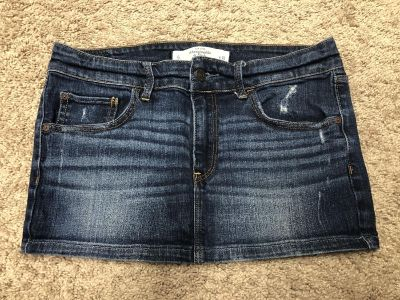 Abercrombie and Fitch skirt size 6