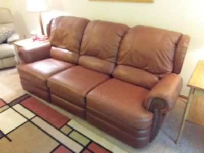 Beautiful Leather Reclining Sofa Couch & Chair