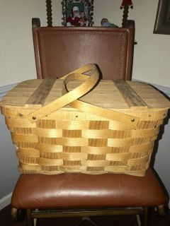 Picnic Basket Approx 17 Long x 10 Tall x 11 Wide