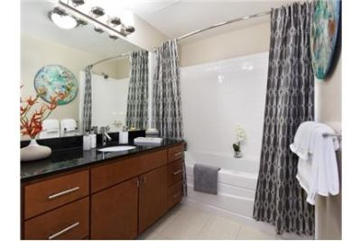 Apartment, 708 sq. ft. 1 bedroom - come and see this one.