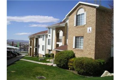 2 bedrooms - While Cherry Apartment Homes offers convenient access to services, recreation.