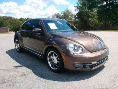 2012 Volkswagen Beetle 2.5 PZEV (Brown Or Taupe)