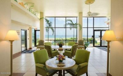 Beautiful oceanfront resort style condo with amenities GALORE!