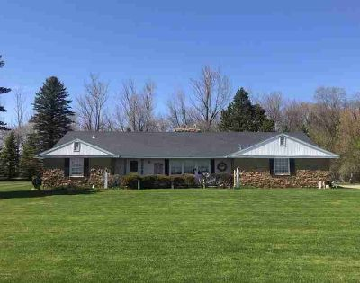 18958 State Hwy 9 Morris Three BR, Classic country home with wide
