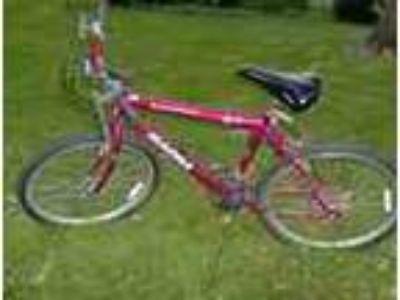 24 Inch Boys Red Magna Glacier Pt Bike