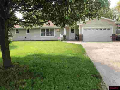 610 Austin Drive SAINT PETER Three BR, You'll be impressed as