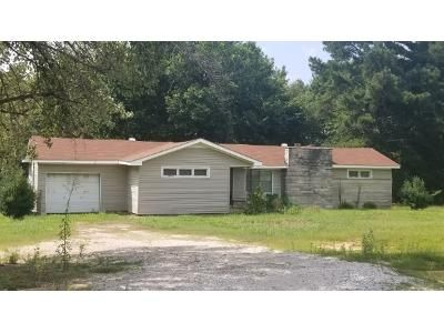 2 Bed 1 Bath Foreclosure Property in Phil Campbell, AL null - County Hwy 79