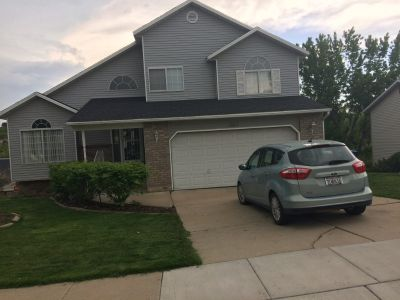 Private bedroom for rent S. Ogden, close to Weber U. $390.