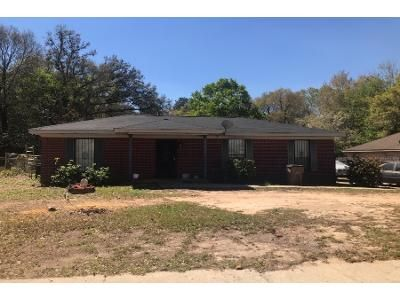 3 Bed 2 Bath Preforeclosure Property in Mobile, AL 36618 - Eastview Dr
