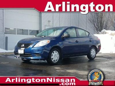 2014 Nissan Versa 1.6 S (Blue Onyx)