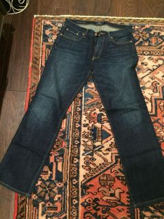 Men s Lucky 32x32 straight jeans