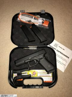 For Sale: Glock 17 gen 5 complete in box