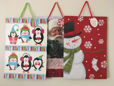 Giant gift bags with name tags (NEW)