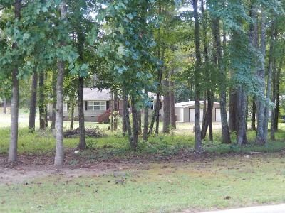 3 Bed 2 Bath Preforeclosure Property in Whitesburg, GA 30185 - Hutcheson Ferry Rd