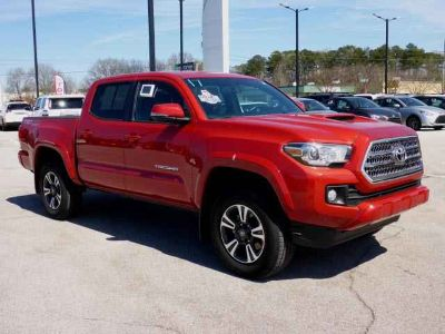 Used 2017 Toyota Tacoma Double Cab 5' Bed V6 4x4 AT (SE)