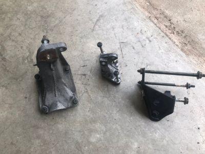TDI engine and transmission brackets