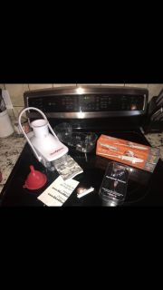 3 NEW KITCHEN TOOLS Slice o-matic w 2 cutting blades, Electric knife, Wine aerating pourer. ALL ONE PRICE MUST GO!
