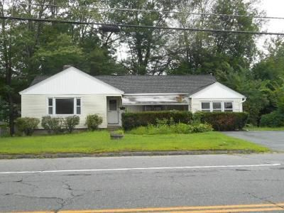 2 Bed 1.5 Bath Foreclosure Property in Leominster, MA 01453 - Merriam Ave