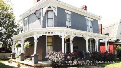 Townhouse Rental - 822 W. Maxwell St. Unit 1