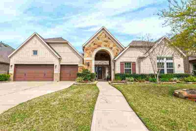 6822 Antique Cedar Lane Spring Three BR, Elegant 'Dickens'