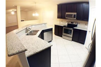 Amazing 3 Bed 2 Bath Home in Paloma Creek