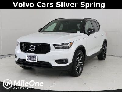 2019 Volvo XC40 R-Design (Crystal White Metallic)