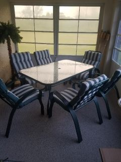 Patio Table & 6 Matching Chairs