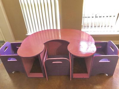 Fun kids table 47x38 great fie arts in crafts or home school side slots have lots of storage, 3 chairs