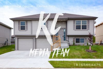 Brand new 3 bedroom 2.5 bath in Peculiar!