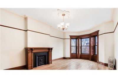 Stunningly beautiful 2 bedroom in traditional brownstone townhouse.
