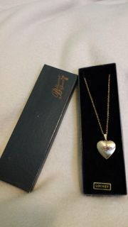 NEW LOCKET NECKLACE GOLD