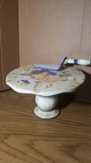 cake stand and server