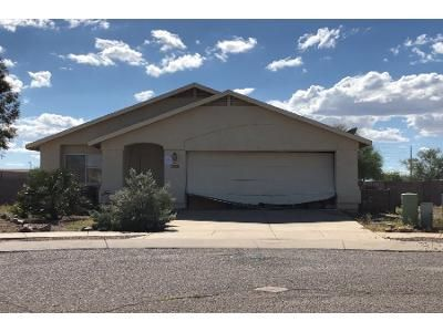 2 Bath Preforeclosure Property in Tucson, AZ 85730 - E Cyclone Dr