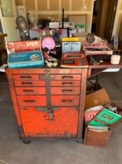 Huge North Auburn Estate Sale / VINTAGE TOOLS / GARAGE ITEMS / FENTON / COLLECTABLES & MORE