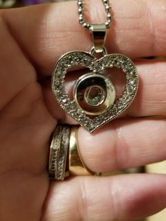 HeartSnap Necklace