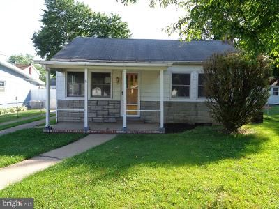 2 Bed 1 Bath Foreclosure Property in Middle River, MD 21220 - Honeycomb Rd