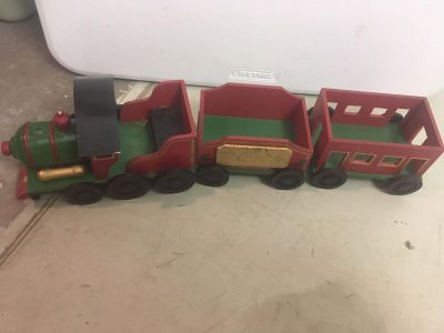 Wood Christmas train, 3 pieces, perfect size for a mantel