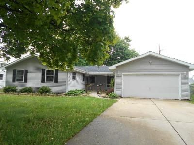 4 Bed 3 Bath Foreclosure Property in Carol Stream, IL 60188 - Aztec Dr