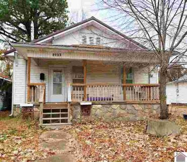 2033 Clay Street Paducah, This adorable Two BR One BA move-in