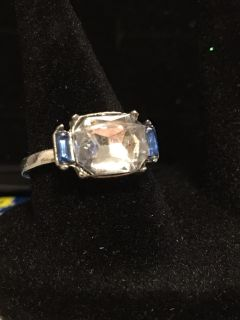 Silver ring glass stone between blue stones sz 8