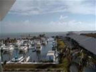 KAWAMA YACHT CLUB TOWER PENTHOUSE #503 - Condo