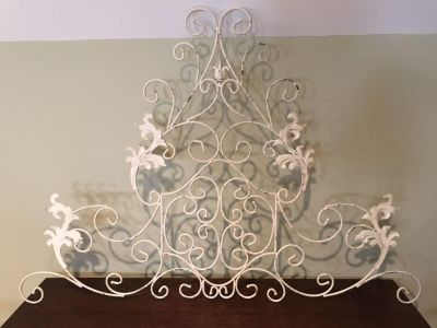 Gorgeous antique white wrought iron wall hanging EUC! Have used over a bed without headboard.