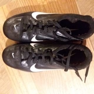 Soccer shoes size 5.5y