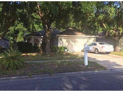 3 Bed 2.0 Bath Foreclosure Property in Jacksonville, FL 32210 - Loveland Pass Dr E