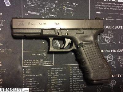 For Sale: Glock 17 Gen. 4 w/night sight