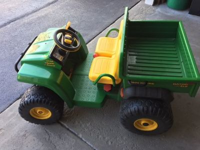 John Deere Peg Perego Gator - Riding Toy