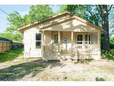 2 Bed 1 Bath Foreclosure Property in Dayton, TX 77535 - N Winfree St
